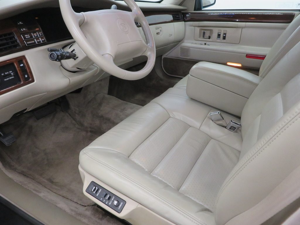 2017 Escalade Interior >> 1995 Cadillac Deville Concours for sale