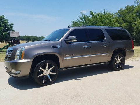 2011 Cadillac Escalade Premium in GREAT CONDITION for sale