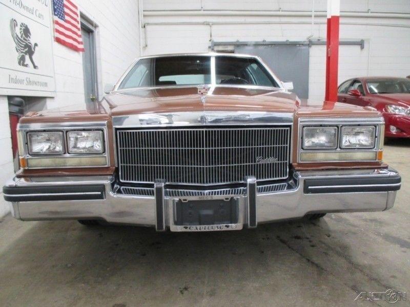 NICE 1983 Cadillac DeVille